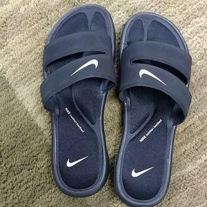 Nwot nike comfort footbed sandals size 8
